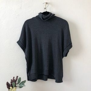Zara Turtleneck Grey Short-Sleeve Sweater/Poncho S